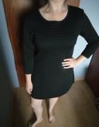 Czarna sukienka mini...