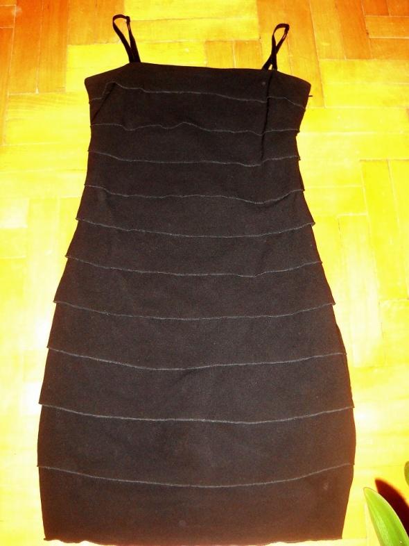 Suknie i sukienki Promod czarna sukienka falbany S M