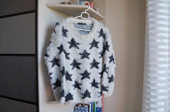 Kudłaty sweterek w gwiazdki M Atmosphere...