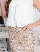 Sukienka z cekinowa spódnicą...