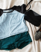 Krotka niebieska bluzka tshirt oversize...