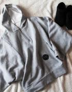 Szara ciepła bluza nietoperz