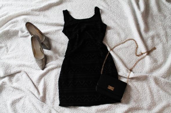 Suknie i sukienki Sukienka mini Reserved