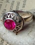 Warmet srebrna koronka z rubinowym oczkiem