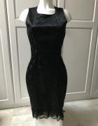 Czarna satynowa sukienka z koronka nadruk w róże...