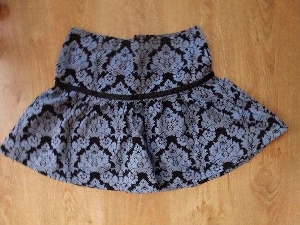 Spódnice Elegancka spódnica w kwiaty