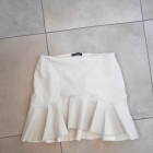 Zara biała skórzana spódniczka falbanka baskinka eko skóra