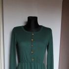 Dzianinowa ciemno zielona sukienka z długim rękawem