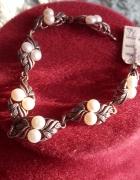 Srebrna bransoletka z perłmi za 160 zł...