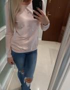 Jasnoróżowa bluza z perełkamki