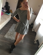 Szara rozkloszowana sukienka Mohito XS...