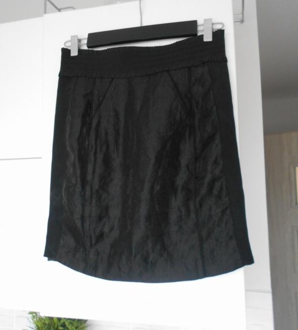 Spódnice HM nowa spódnica czarna satynowa elegancka ołówkowa