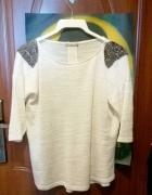 Bluzka beżowa z ozdobnymi dżetami Orsay...
