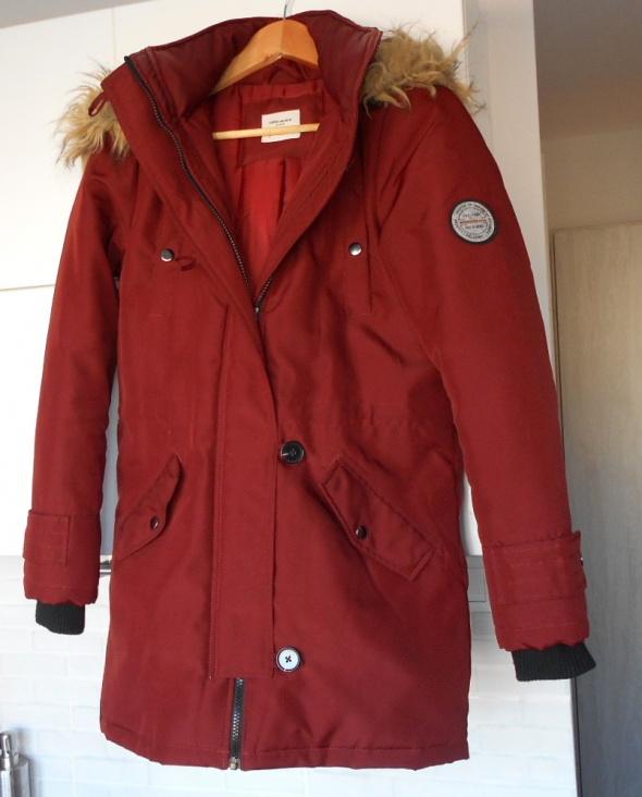 Vero Moda bordowa długa kurtka zimowa parka...