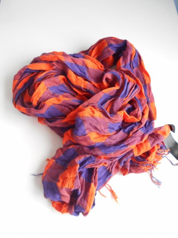 Chusty i apaszki HM apaszka chusta w kratkę pomaranczowa neon