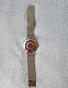 srebrny zegarek...