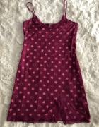 Fioletowa koszula nocna w różowe gwiazdki