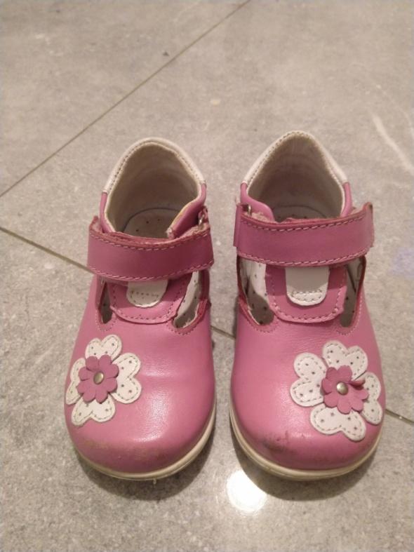Różowe skórzane buciki rozmiar 21 Kornecki