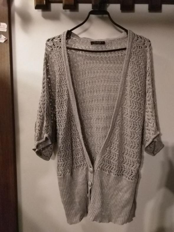 Szary sweterek narzutka ze srebrną nitką Cubus L...