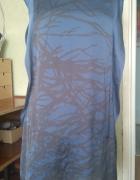 Piękna niebieska sukienka