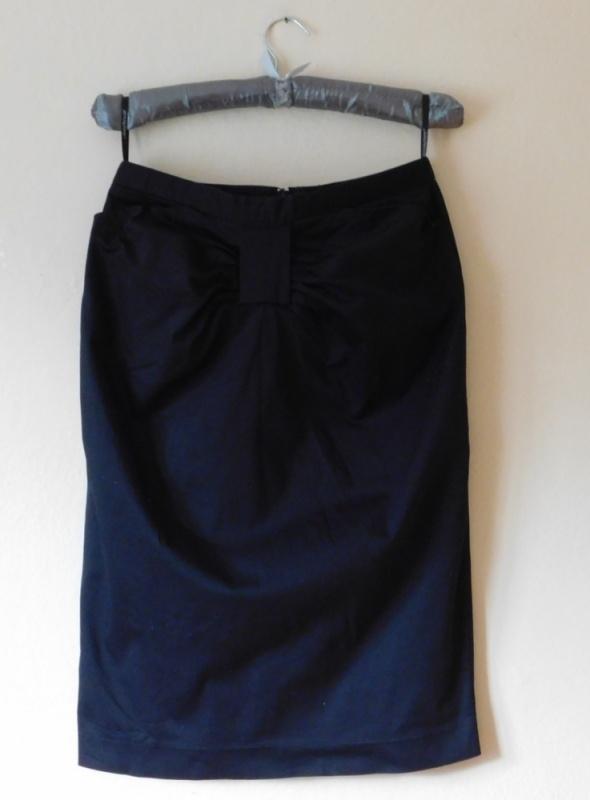 Spódnice Atmosphere czarna spódnica midi kokarda 40 42