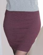 Ołówkowa spódnica burgund...