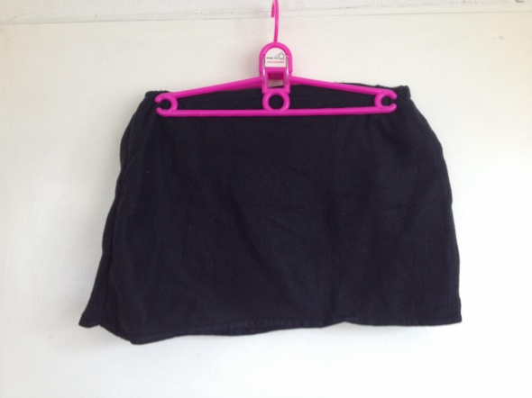 Spódnica czarna delikatna w dotyku mini M L 38 40 używana czarn...