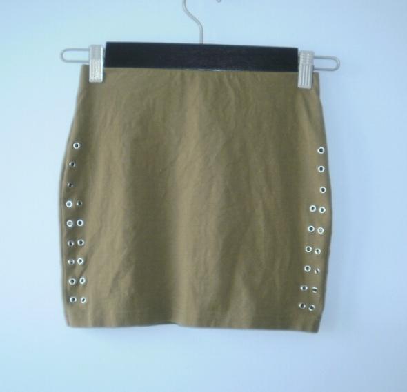 Spódnice HM mini spódniczka khaki nity ćwieki bodycon