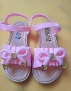 Nowe sandałki dziewczęce rozmiar 27