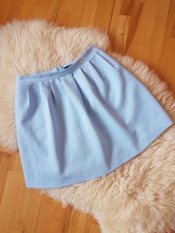 Spódnice Błękitna spódnica Mohito 40