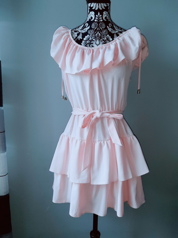 Różowa sukienka hiszpanka falbanki S