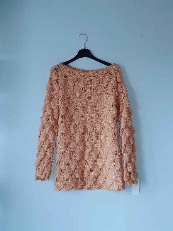 Idealny nowy musztardowy sweterek M