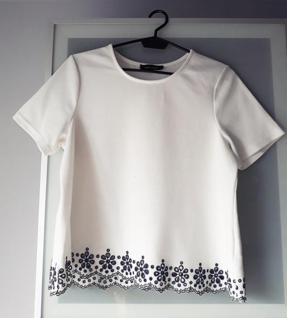 Haftowana bluzeczka New Look rozmiar M...