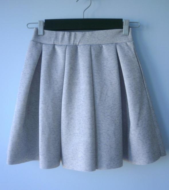 Sinsay spódnica rozkloszowana piankowa szara dres...