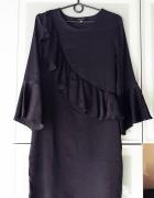 Czarna sukienka z falbaną rozmiar M...
