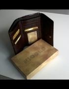 Nowy ciemnobrązowy skórzany portfel...