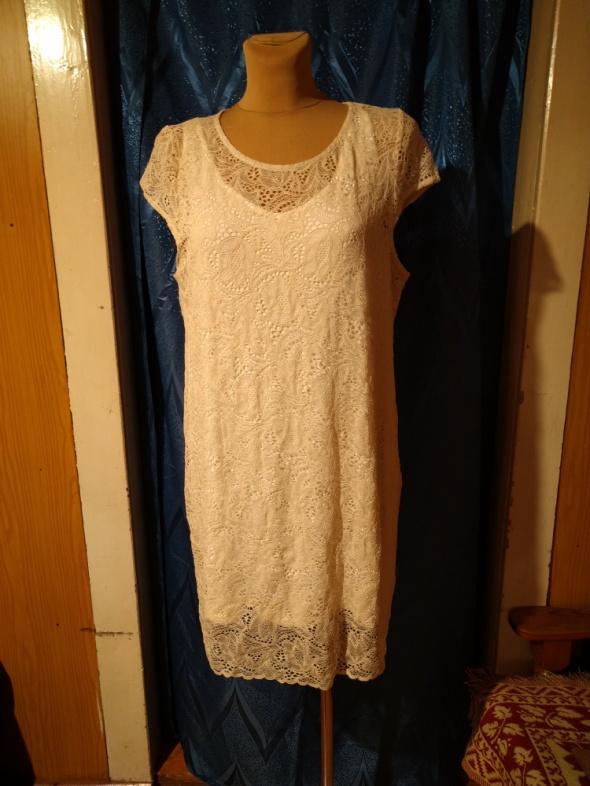 Beżowa koronkowa sukienka Reserved Rozmiar 44...