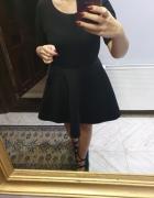 Reserved czarna rozkloszowana sukienka neoprenowa piankowa r L...