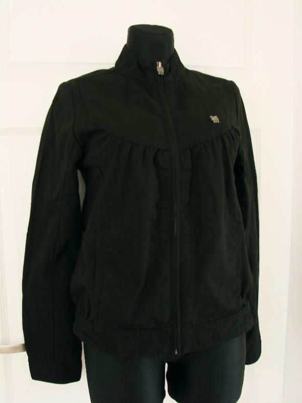 Odzież wierzchnia Oryginalna kurtka bomberka z aplikacją na plecach