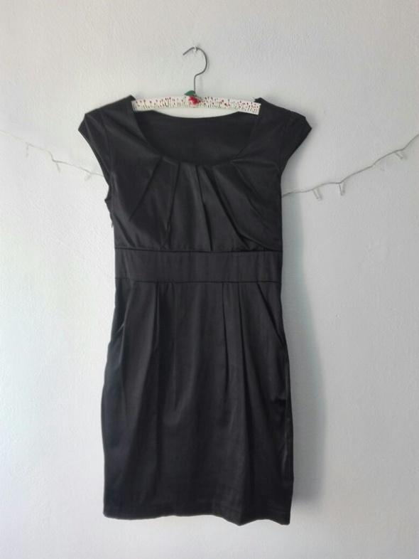 Suknie i sukienki Mała czarna S M