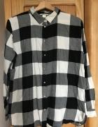 Koszula w biało czarna kratę H&M 40 L na guziki z kołnierzykiem...