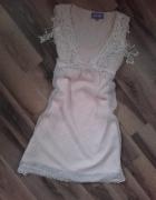 Pudrowa pastelowa sukienka S M frędzle