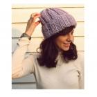 Fioletowa czapka handmade z wełną