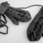 Szare rękawiczki jednopalczaki z polarem warkocz