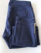 granatowe spodnie jeansowe m...