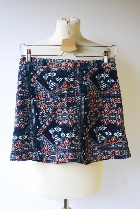 Spódnice Spódniczka H&M S 36 Wzory Azteckie Aztec Sztruksowa Wzorki