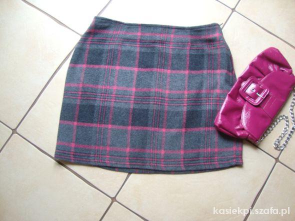 Spódnice wełniana mini