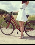biała sukienka zwiewna koronkowa XS...