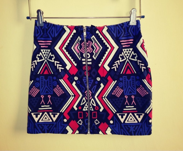 Spódnice Spódnica mini dopasowana aztecki wzór zamek zip H&M S