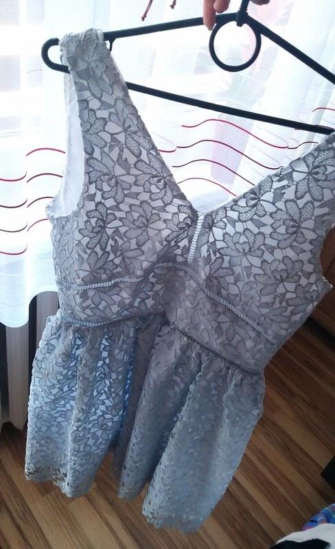 Suknie i sukienki koronkowa sukienka na grubszych ramiączkach